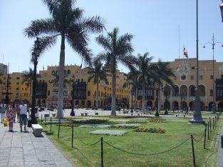 Municipality office, Plaza Principal, El Centro, Lima